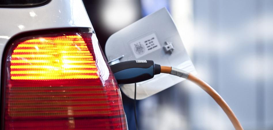 Endesa echa un cable a la movilidad eléctrica con 108.000 puntos de recarga en el próximo lustro