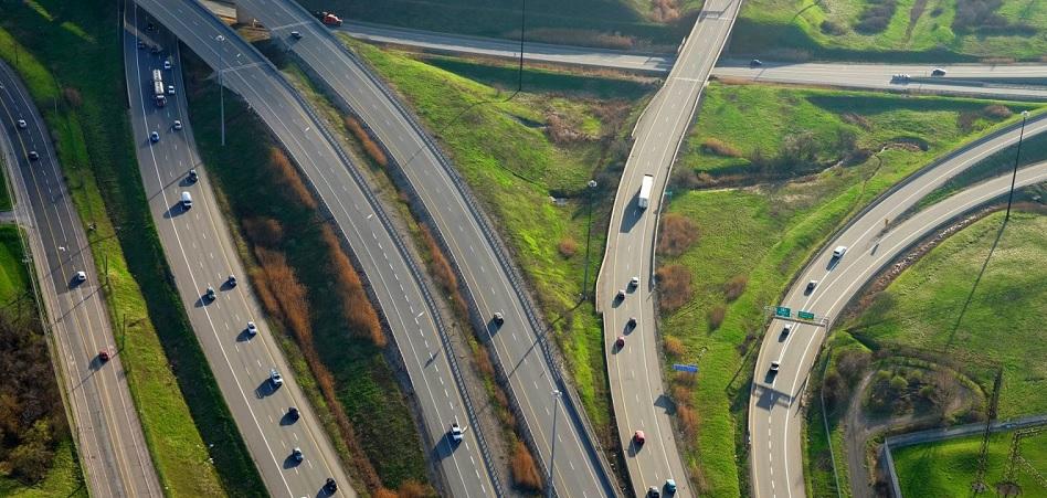 Ferrovial alza la vista del asfalto: 'carsharing' y 'data' más allá de las autopistas y los aeropuertos