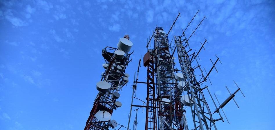 El paro en el sector de las 'telecos' se reduce un 12% en noviembre, hasta 7.772 desempleados