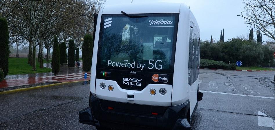 Telefónica 'se sube' al 5G: primera prueba en Talavera con un minibús autónomo