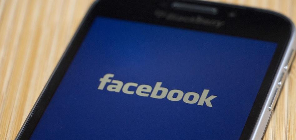 Blackberry demanda a Facebook por utilizar su tecnología de mensajería móvil