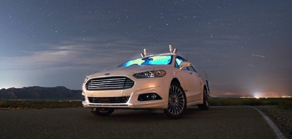 Ford une fuerzas con RideOS para acelerar en el terreno de la conducción autónoma