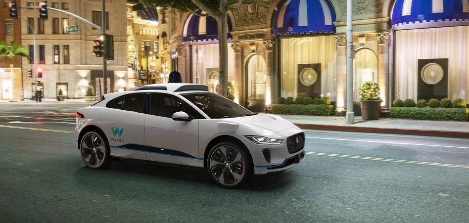 Waymo 'pesca' a su nuevo aliado en automoción: une fuerzas con Jaguar Land Rover para impulsar el coche autónomo