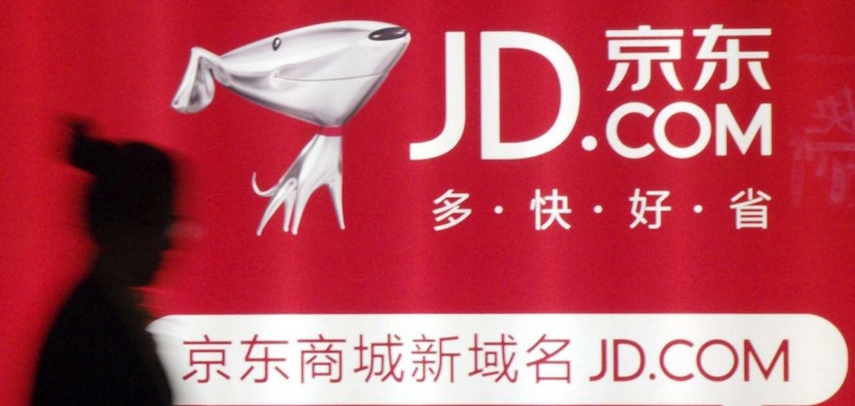 JD.com ficha sube su apuesta por el lujo y ficha un ex Armani