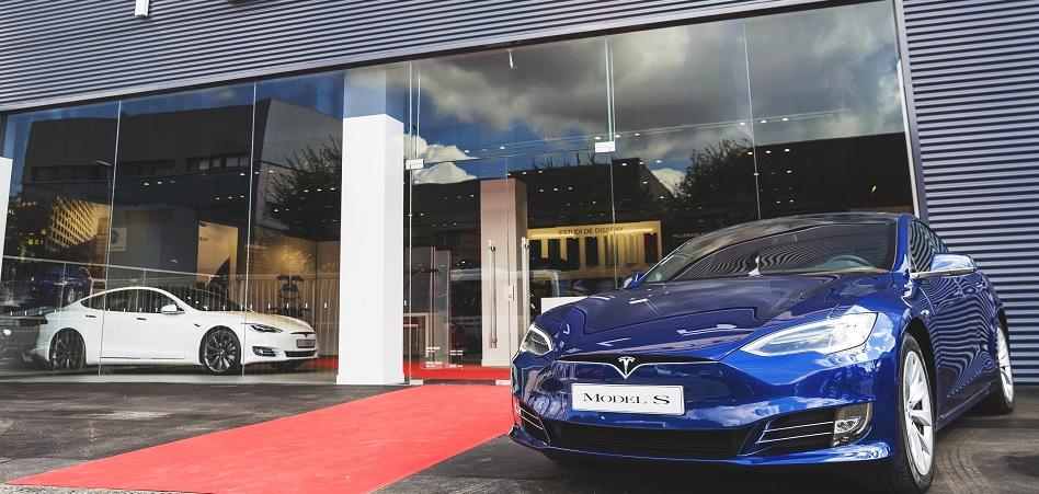 Tesla gana una talla en el mercado español y estrena nuevas oficinas en Barcelona