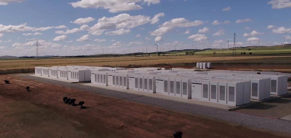 Tesla mueve ficha en Australia: instalará paneles y baterías solares en 50.000 hogares