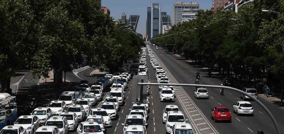 2018, el año en que el Gobierno dejó en tablas a taxi y VTC