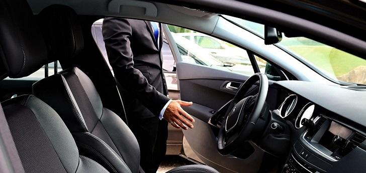 Uber y Cabify, en la cuerda floja en Cataluña: la Generalitat ultima dos decretos contra las VTC
