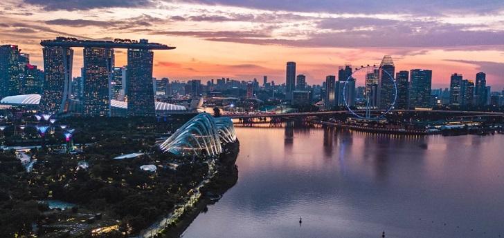 La Unión Europea sigue buscando nuevos aliados: firma un tratado de libre comercio con Singapur
