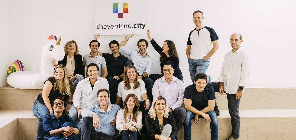 The Venture City se viste de 'profesor'