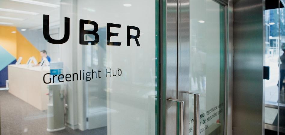 Uber inaugura su primer Greenlight Hub en España | Kippel01